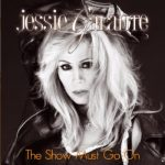 Jessie Galante, una impresionante voz soul con base hard rock en 'The Show Must Go On'
