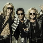 """Light In The Dark"": Revolution Saints presenta su segundo disco"