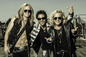 «Light In The Dark»: Revolution Saints presenta su segundo disco