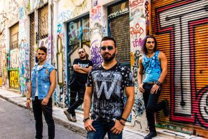 "Silked & Stained: disco debut y videoclip de ""Bombshell"""