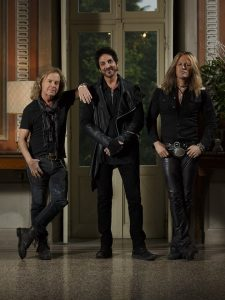 """Take You Down"", más del nuevo disco de Revolution Saints"
